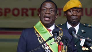 Simbabwes neuer Präsident Mnangagwa wird vereidigt