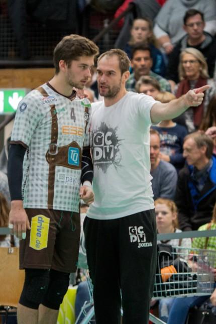 Tim PETER 4 HER und Herrsching Trainer Max HAUSER HER Volleyball TSV Herrsching HER Hypo; Volleyball