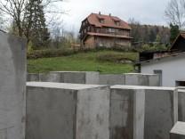 Nachbau als symbolische Außenstelle des Berliner Denkmals fuer die ermordeten Juden Europas durch da