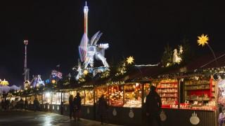London UK 20 November 2015 A German style Christmas market Hyde Park Winter Wonderland opens wit