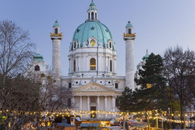 Karlskirche Karlsplatz Weihnachtsmarkt 1 Bezirk Wien Österreich