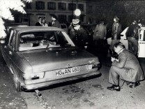 Apr 04 2012 October 1977 Body of Dr Schleyer found n a car boot â€âĜ The body of kidnapped