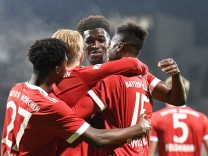 v li Timothy Tillman Bayern München FCB 17 Felix Götze Goetze Bayern München FCB 4 Kwasi