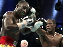 BF Junior Middleweight Championship - Kassim Ouma vs Kofi Jantuah - January 29, 2005