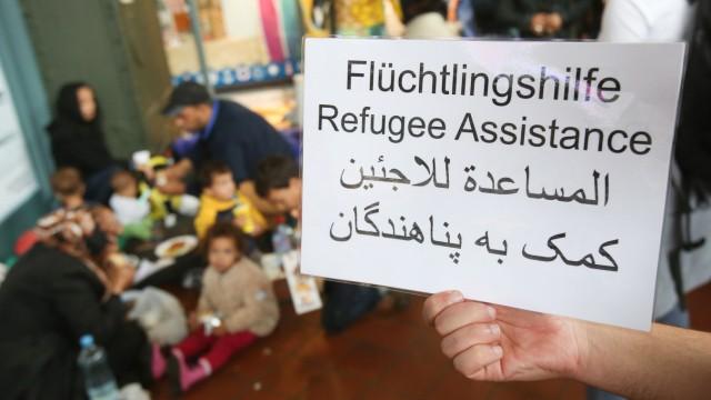 Tausende Thüringer helfen noch immer Flüchtlingen