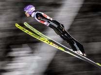 25 11 2017 Nordic Arena Ruka FIN FIS Weltcup Ski Sprung Nordic Opening Kuusamo Teambewerb im; Wellinger1