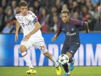 Vorschau Bayern Muenchen Paris St Germain NEYMAR r Paris im Duell gegen Thomas MUELLER MŸller; Thomas Müller FC Bayern Neymar PSG