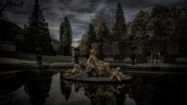 Schloss Linderhof bei Nacht