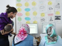 'Digital Empowerment' Project For Refugee Women