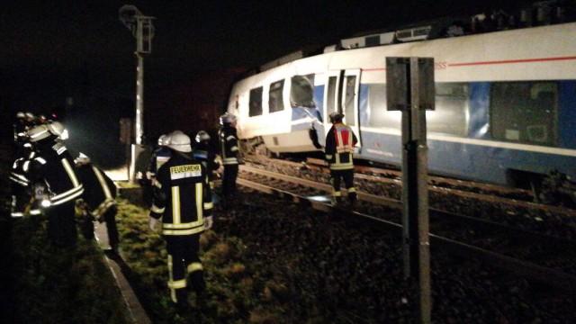 Zugunglück in Meerbusch NRW (Feuerwehr Meerbusch)