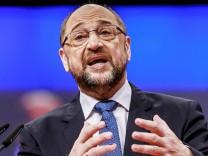 Rede von Martin Schulz Parteivorsitzender der SPD beim Parteitag im City Cube Berlin 07 12 2017