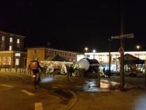 Pasinger Bahnhofsplatz bei Nacht