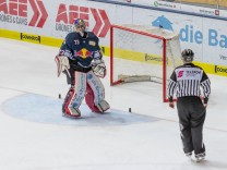 GER DEL EHC Red Bull Muenchen vs Fischtown Pinguins Bremerhaven 08 12 2017 Olympia Eishalle M