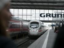 Am Sonntag kommt um 11.02 der erste schnelle ICE aus Berlin in München an.