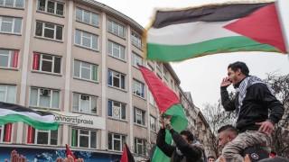 December 10 2017 Berlin Germany People stage a demonstration against U S President Donald Tru