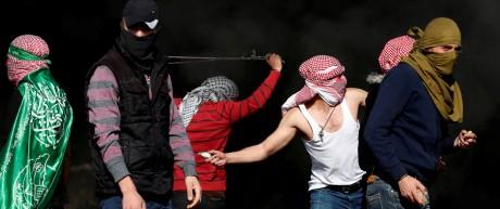 Palästinenser protestieren bei Ramallah