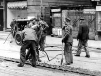 Französische Zwangsarbeiter bei Gleisarbeiten in München 1939