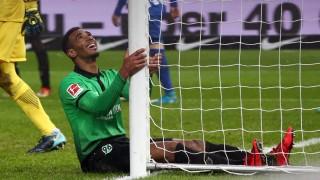 Noah Joel Sarenren Bazee enttäuscht Enttäuschung Fußball Fussball DFL 1 BL Bundesliga Herren