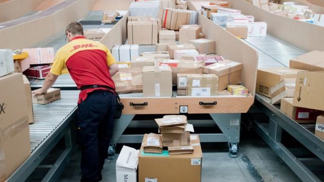 Paketdienste Gegen Den Weihnachts Wahnsinn Wirtschaft Süddeutschede
