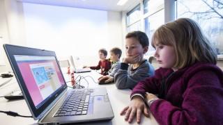 Grasbrunn, Firma OpenText, Kinder lernen Programmieren