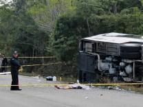 Busunfall mit Touristen in Mexiko