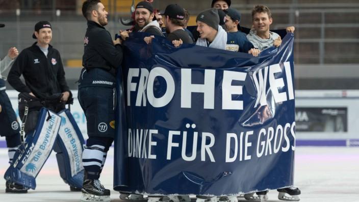 Ice hockey Eishockey DEL RB Muenchen vs Krefeld MUNICH GERMANY 19 DEC 17 ICE HOCKEY DEL Deu
