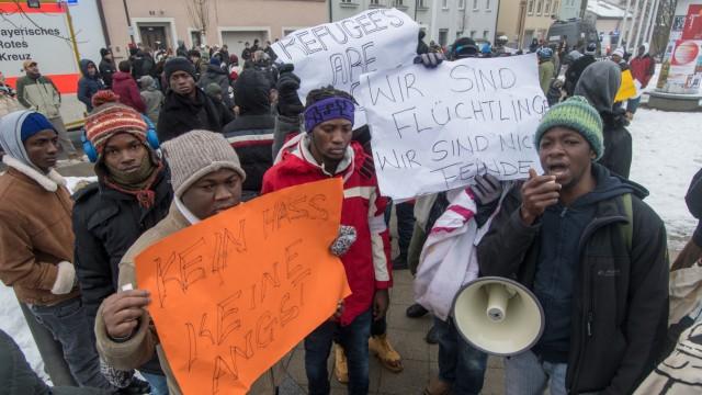 Protest vor Transitlager