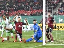Bilder des Tages SPORT Bilder des Tages SPORT 19 12 2017 Fussball Saison 2017 2018 DFB Pok