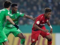 DFB Cup Third Round - Borussia Moenchengladbach vs Bayer Leverkusen