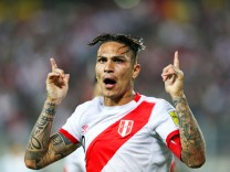FILE PHOTO: Football Soccer - World Cup 2018 Qualifier - Argentina v Peru