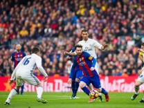 FC Barcelona v Real Madrid CF - La Liga; Messi Ronaldo
