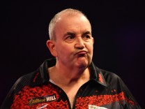 2018 William Hill PDC World Darts Championships - Day Twelve