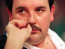 PHIL The Power TAYLOR ENG Embassy World Championship Darts 1992 Lakeside Frimley Green xACTI; Phil Taylor