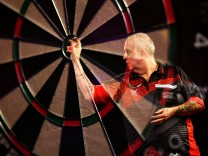 2018 William Hill PDC World Darts Championships - Day Thirteen