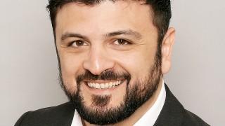 Adnan Tabatabai ist Politikwissenschaftler, Geschäftsführer des Center for Applied Research in Partnership with the Orient (Carpo) und Lehrbeauftragter der Soziologie an der Heinrich-Heine-Universität in Düsseldorf.