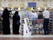 Kassenbereich in einem Supermarkt in Riad Saudi Arabien Mehrwersteuer