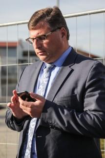 Landrat am Smartphone