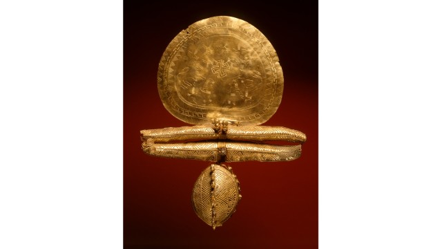 Goldene Prunkfibel aus Vulci
