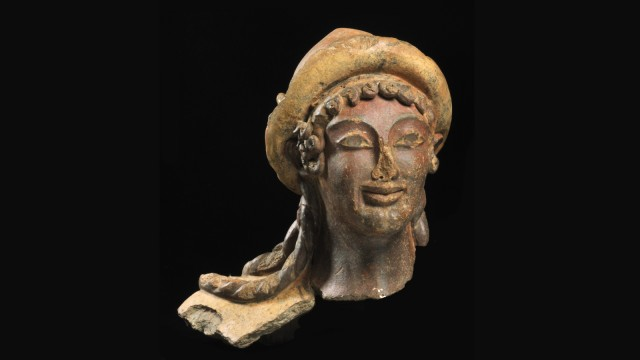 Kopf einer Terrakottastatue des Gottes Hermes / Turms