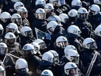 Polizei, Polizeigesetz