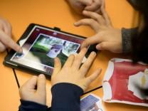 """Modellversuch """"Digitale Schule 2020"""" an Grundschule in München, 2017"""