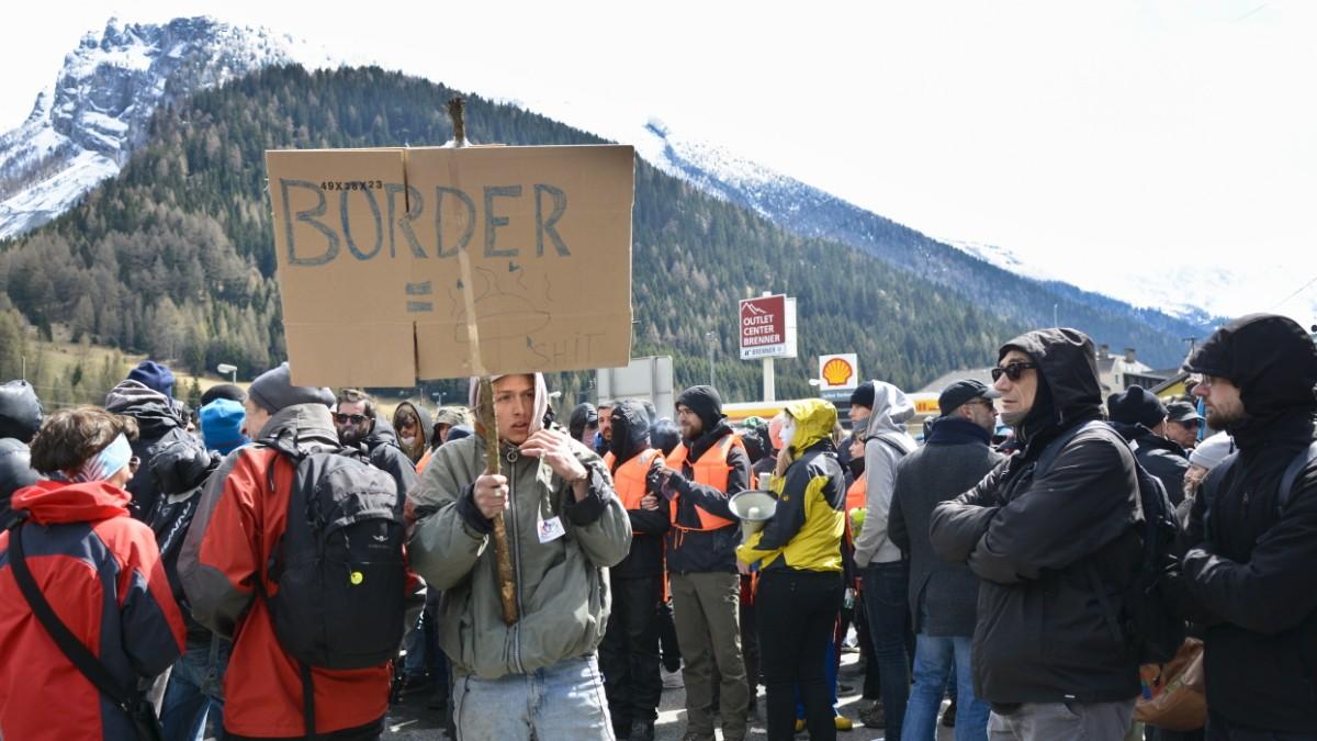 Die Geschichte relativiert die Flüchtlingskrise\