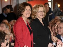 Malu Dreyer und Natascha Kohnen beim Dreikönigstreffen der SPD München im Hofbräukeller München 06