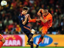 Netherlands v Spain: 2010 FIFA World Cup Final; Nigel de Jong WM Finale 2010