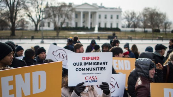 US ends protected status for 200,000 Salvadoran immigrants