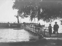 See & Dorf: Das Münsinger Ostufer in historischen Bildern und Fotografien