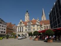 Europa Deutschland Bayern Ingolstadt Rathaus erbaut 1882 Kirche St Moritz McPWAL McPWAL