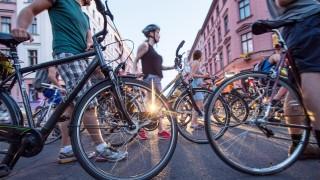 Berlin Verkehr Critical Mass äCritical Mass in Berlin Weit ueber 1 000 Radfahrer beteiligten sich a