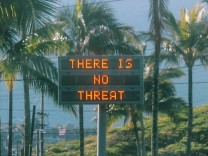 An electronic sign reads 'There is no threat' in Oahu, Hawaii, U.S.