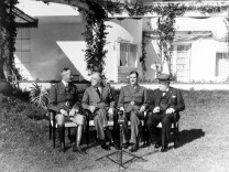 January 14 24 1943 Allied leaders meet with French officers at the presidential villa in Casablanca